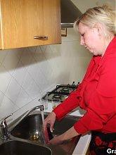 Mature threesome where the young repairmen fix her washing machine and plug her body