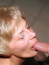 Mature blondies Ritta and Rosalie shared cocks and played with each others pussies in this threesome live