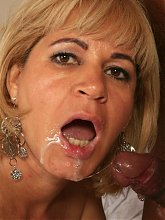 Chamara is a seasoned mature MILF having a blast in taking on a huge black dick in her pussy