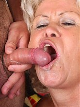 Blonde mature Francesca hooks up with her boyfriend and welcomes his cock in her mouth and cooter live