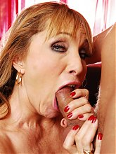 Luna Azul is a top heavy mature housewife enjoying a nice fucking from a younger guy